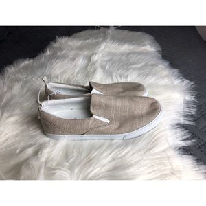 4/$25 | Crazy 8 Slip On Shoes Size 5Y